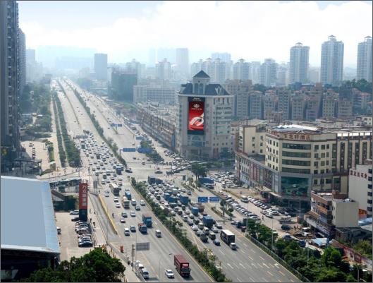 深圳龙华新澜大厦LED大屏广告